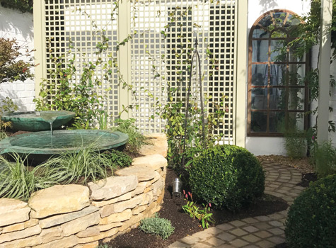 Tiggers-cottage-trellis-garden